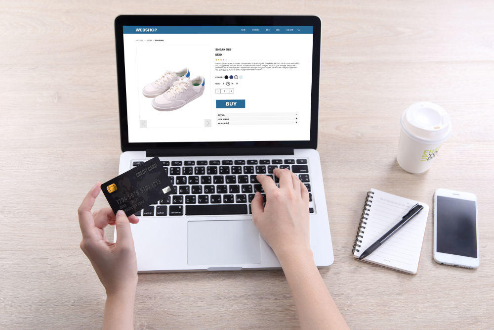 blog ecommerce computer credit card - Blog 2